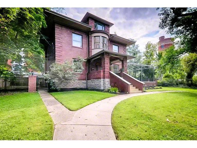 2100 St. James Avenue in Walnut Hills (MLS# 1420830)