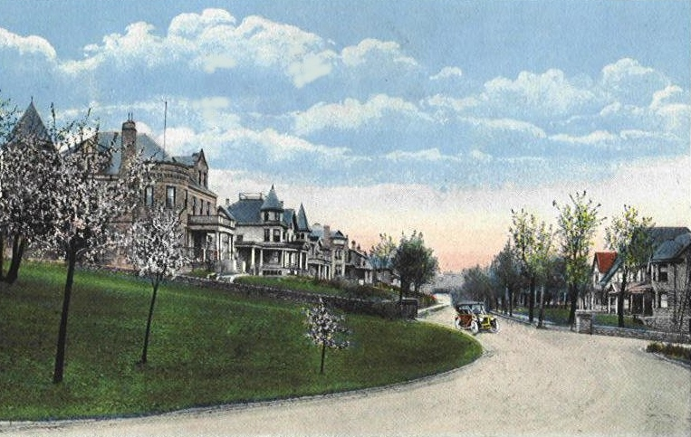 Early 20th century view of Alpine Place residences